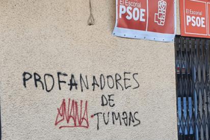 Aparecen pintadas de 'Viva Franco' y 'Profanadores de tumbas' en sedes del PSOE