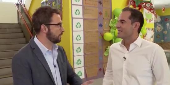 """Vomitivo peloteo de la Telemadrid de José Pablo López a Aguado: """"Joven, preparado, simpático, cercano, dulce, inteligente, guapo..."""""""