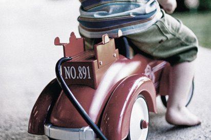 Un padre muere atropellado por un autobús tras lanzarse a salvar a su hijo de 4 años