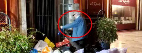 Han perdido el norte: estos 'indepes' no dejan entrar al señor mayor en su casa e incluso llegan a arrojarle basura