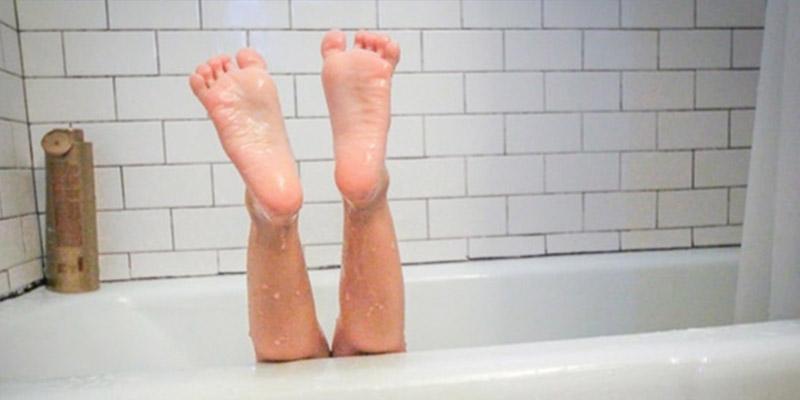 Una mujer pasa cuatro días tirada en la bañera y le piden una factura por el rescate que no puede pagar