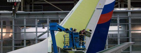 Varios Boeing 737 NG se quedan en tierra tras hallar grietas en los soportes de las alas