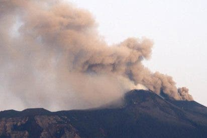 Vuelve a entrar en erupción el volcán activo más grande de Europa