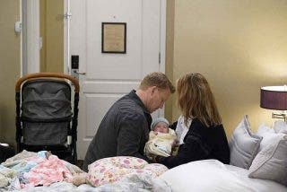 anatomia-de-grey-16x01-Owen-y-Teddy