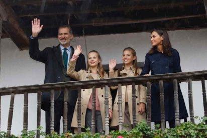 Familia Real - Entrega de la XXX edición del Premio al Pueblo Ejemplar de Asturias © Casa S.M. El Rey