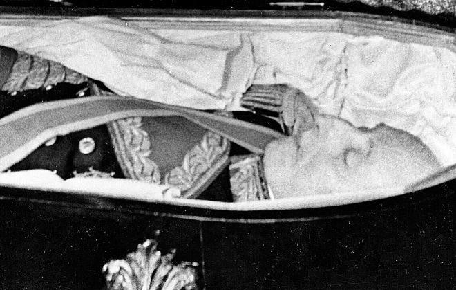 La maldición por exhumar a Franco es peor que la de Tutankamón: el juez Requero primera víctima tras sufrir un grave accidente