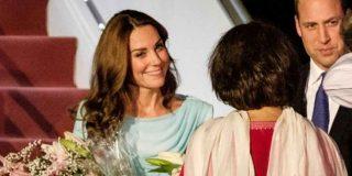 El magnífico look con el que Kate Middleton ha conquistado a todos a su llegada a Pakistán