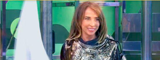 María Patiño se convierte en Juana de Arco y 'quema' a Rosa Benito