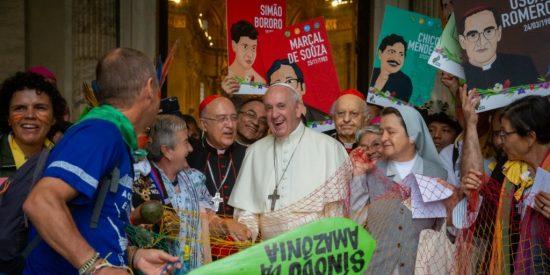Celebran rituales paganos y sincréticos en una iglesia romana