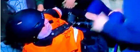 """Los radicales independentistas amenazan a la prensa tras agredir a un fotógrafo: """"¡Esto no se graba!"""""""