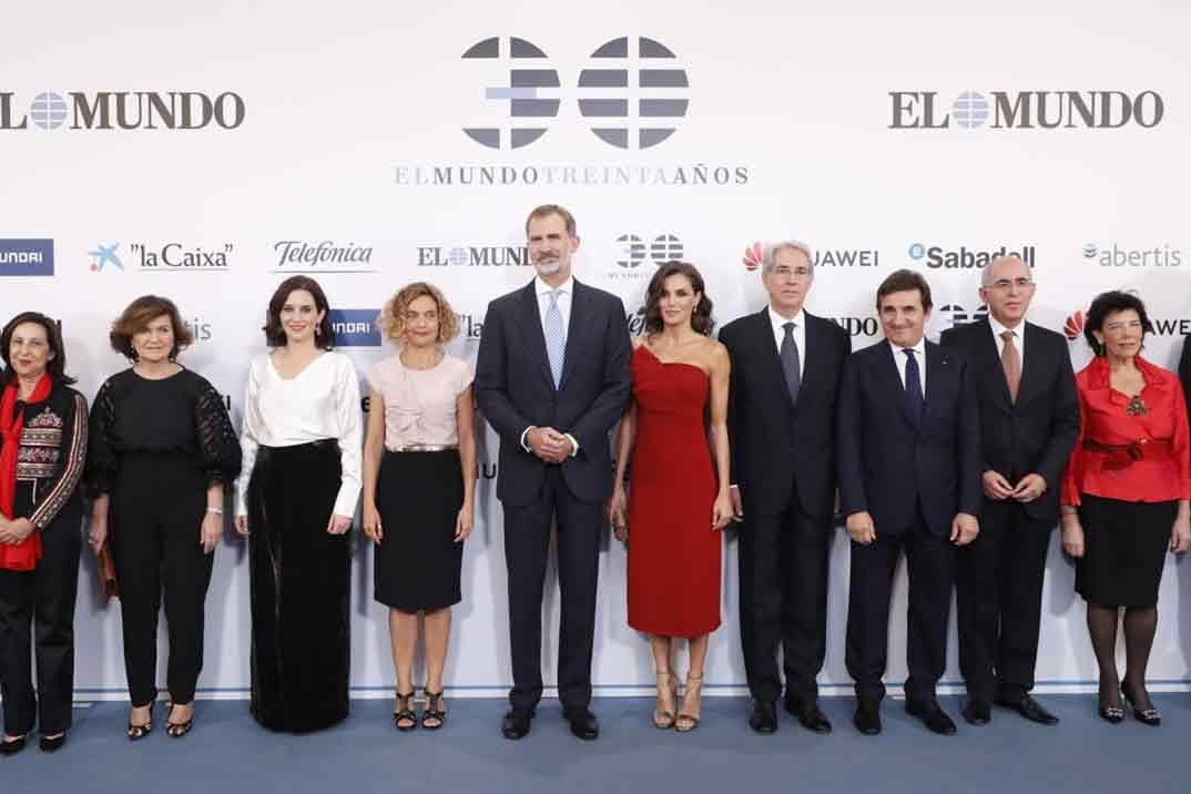 """Reyes Felipe y Letizia - 30º aniversario del diario """"El Mundo"""" © Casa S.M. El Rey"""