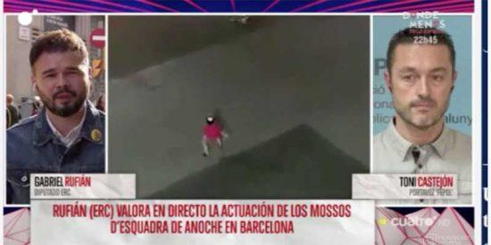 El cobarde Rufián se pone a despotricar de los Mossos y cuando le cruzan con uno de ellos para debatir se acongoja, recula y sale por patas