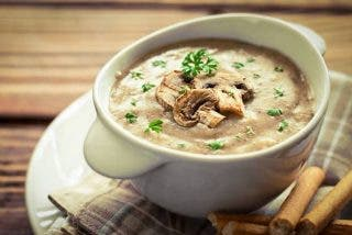 Sopa de champiñones polaca