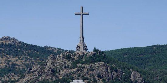 La estrategia cambiante de Ciudadanos permite aprobar una propuesta para 'reformular' el Valle de los Caídos