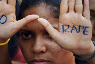 Detienen a un hombre en la India por permitir que 30 hombres violaran a su hija y cobrar por ello