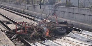 Los Mossos d'Esquadra identifican el coche de una hija de Torra en el intento de corte del AVE en Girona