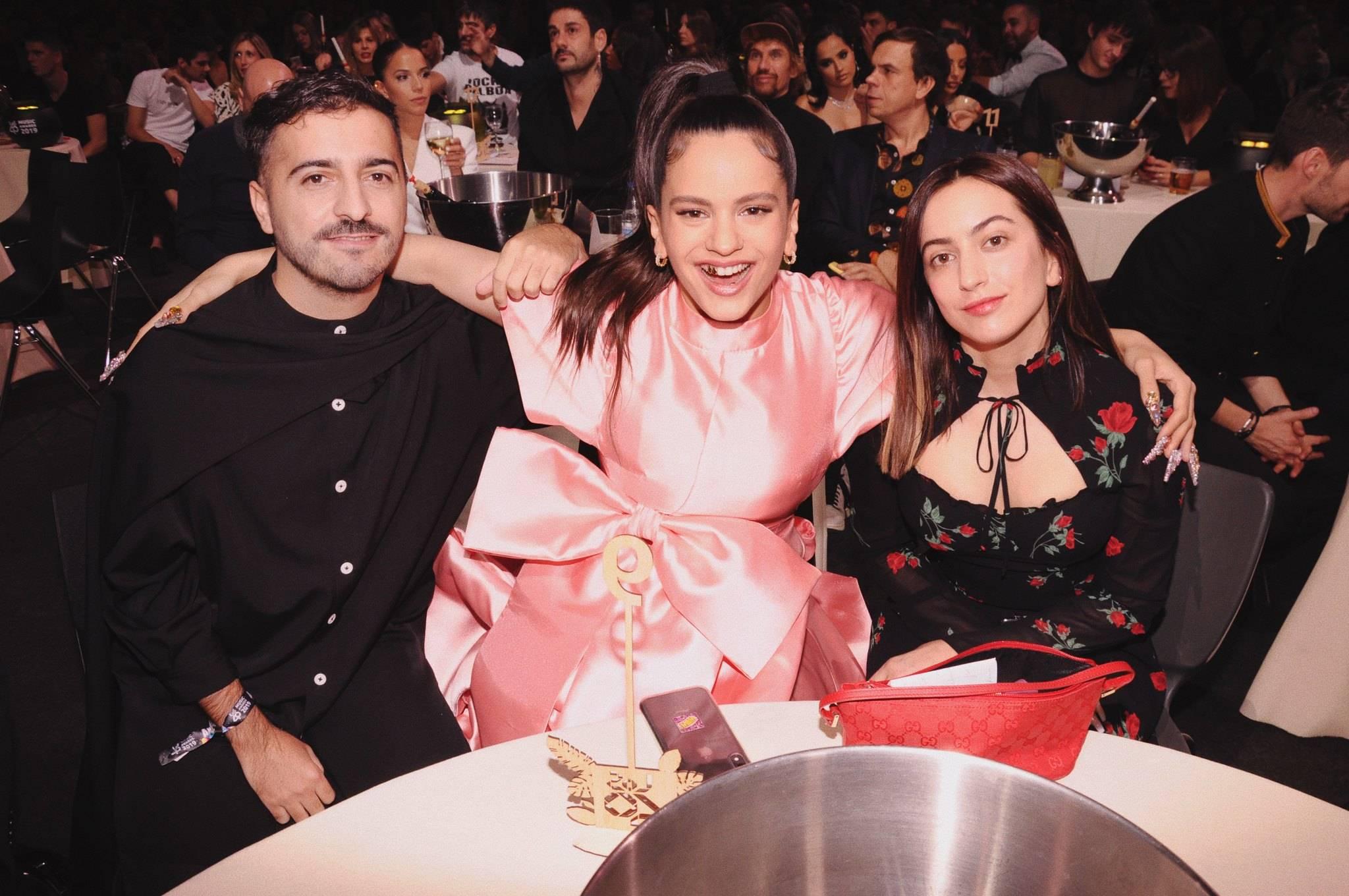 Rosalia, El Guincho y una amiga