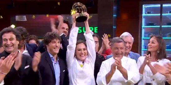 Tamara Falcó sorprende a la audiencia ganando 'Masterchef Celebrity 4' y al juez Jordi Cruz plantándole un tremendo beso en la boca