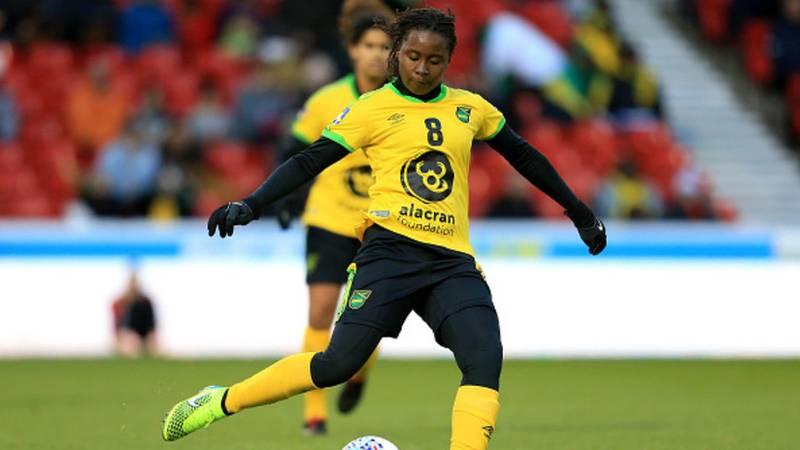 ¡Terrible!: asesinan a puñaladas por un móvil a esta futbolista internacional de la selección de Jamaica