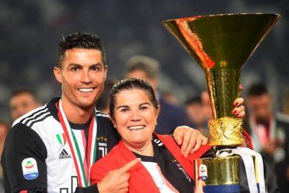 """La madre de Cristiano Ronaldo afirma que hay una """"mafia"""" que no deja a su hijo ganar más premios individuales"""