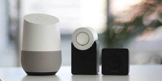 ¡Mucho ojo!: Logran 'hackear' a Alexa, Siri y Google Home a cientos de metros de distancia con punteros láser y linternas