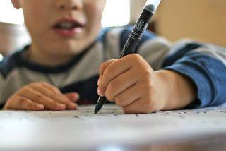 Vídeo viral: Este niño de 9 años, al que regañaron por dibujar en clase, termina decorando un restaurante