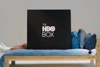 Vídeo viral: HBO ofrece estas cajas de cartón negras para ver la televisión sin molestias