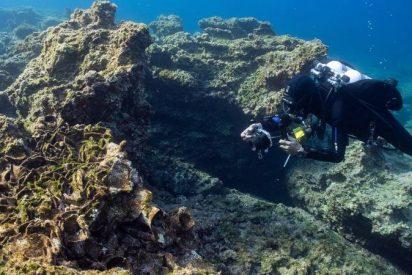 Descubren 5 naufragios en Grecia, el más antiguo de 2.500 años, equipado con anclas de piramidales de piedra