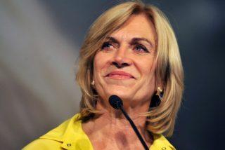 Vídeo viral: Esta alcaldesa escapa corriendo de las preguntas de los periodistas y comparte sus propios 'memes'