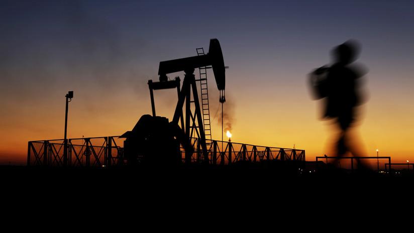 Irán ha descubierto un yacimiento masivo de petrolero, que podría aumentar en un tercio sus reservas de crudo