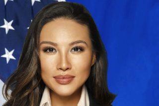 Esta mujer 'decoró' su currículum con una falsa portada en TIME y se ganó un buen puesto en el Departamento de Estado