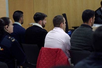 El juez llama la atención a 'La Manada' por reírse en el juicio por el abuso en Pozoblanco