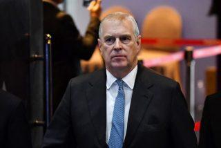 El príncipe Andrés deja sus funciones públicas tras su entrevista sobre Epstein, acusado de tráfico sexual de menores