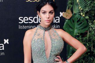 Georgina Rodríguez consigue más de medio millón de 'me gusta' en una hora con su 'topless' de récord
