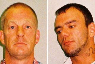 Estos 2 buscadores de metales hallan un tesoro vikingo valorado en más de 15 millones de dólares y acaban en la cárcel