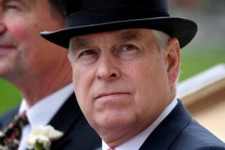 La reina Isabel 'castiga' al príncipe Andrés sin fiesta de cumpleaños por el escándalo del caso Epstein