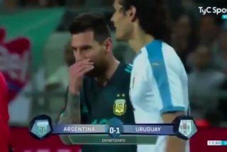 """Cavani reta a Messi a pelear en pleno partido, este le responde """"cuando quieras"""" y la Red se llena de memes"""