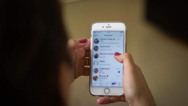¿Cómo activar en Whatsapp el desbloqueo por huella y el escudo contra grupos indeseados?