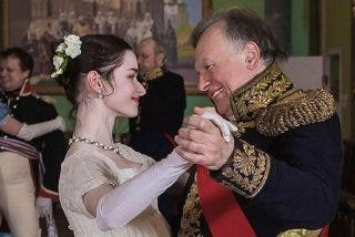 La Policía rusa atrapa en las heladas aguas de un río a un famoso historiador con una mochila en la que llevaba descuartizada a su alumna y amante
