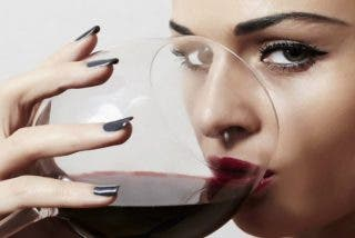 ¿Cuántas copas de vino al día son buenas para la salud?