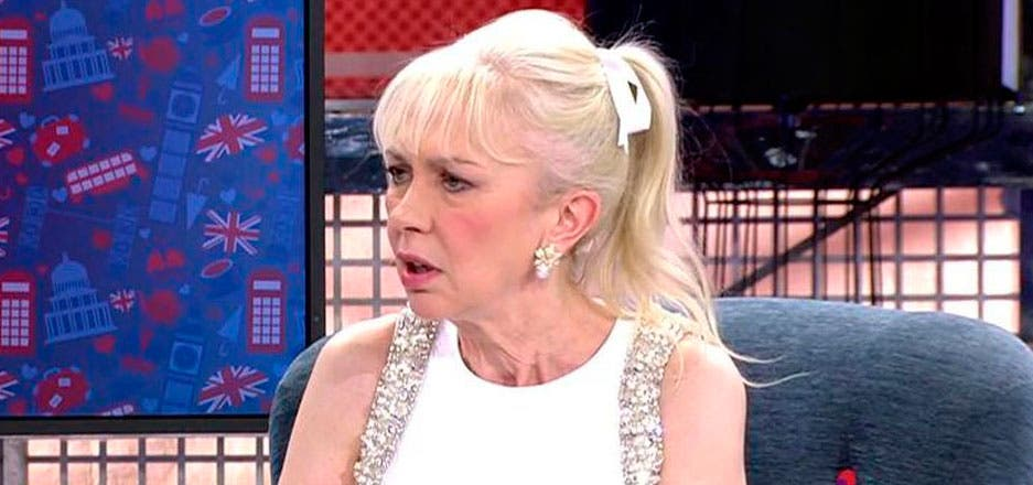 """Bienvenida Pérez reaparece en Telecinco y hunde a Lydia Lozano rebajándola a """"mujer de todo a cien"""""""