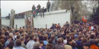 """Juan de Dios Ramírez-Heredia: """"La caída del muro de Berlín. Ese día, sí, yo estaba allí"""""""