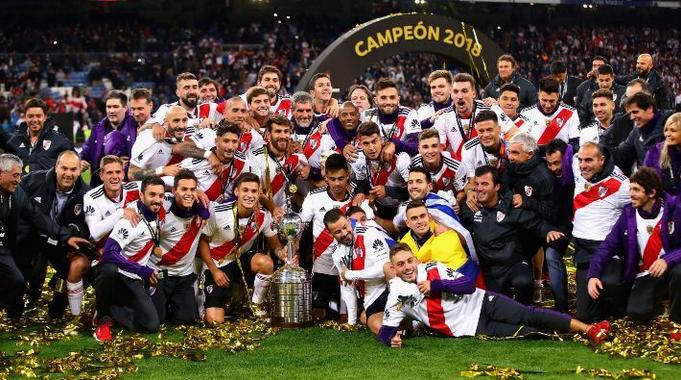 Un cura muy forofo dirá una Misa para festejar el triunfo del River al Boca en Madrid