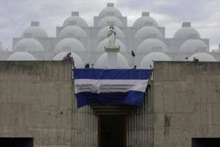 Crisis en Nicaragua: Orteguistas asaltan la catedral de Managua