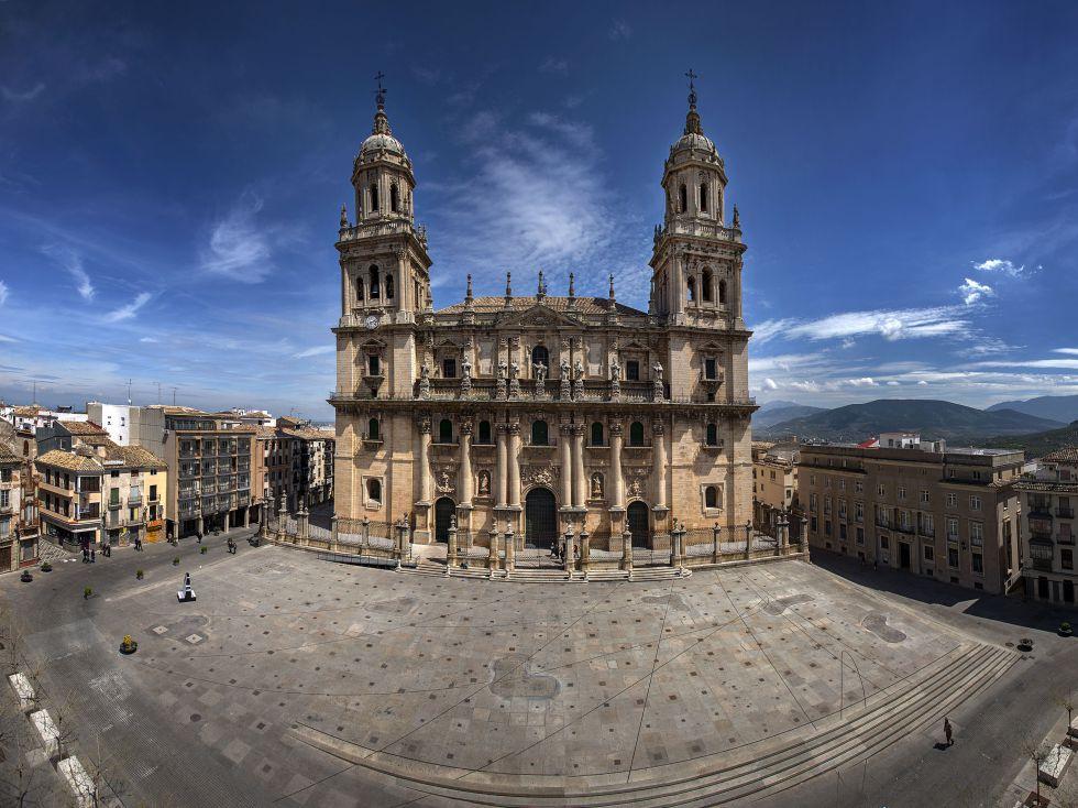 La izquierda más rancia y extremista ataca a la Iglesia católica en Jaén