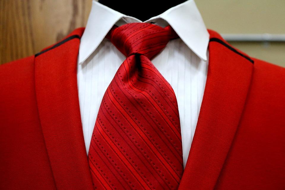 Corbatas: el accesorio que se ha convertido en unisex y ya estás tardando en lucir