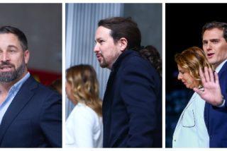 """EN DIRECTO / Iglesias y Casado se saludan cariñosamente, a Rivera le quitan el cajón para parecer más alto y Abascal llega """"muy animado"""""""