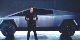 El 'tierra trágame' de Musk al romperse el 'vidrio irrompible' del Cybertruck de Tesla