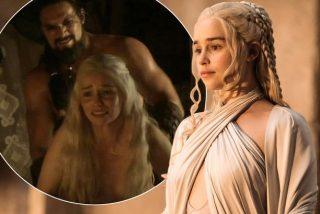 """Emilia Clarke: """"Lloraba en el cuarto de baño antes de grabar las escenas de desnudo en 'Juego de Tronos'"""""""
