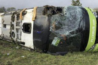 Este terrible accidente de autobús cerca de París deja centenares de heridos, algunos graves
